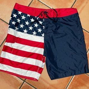 Old Navy XXL/TTG/XXG Patriotic Flag Swim Trunks